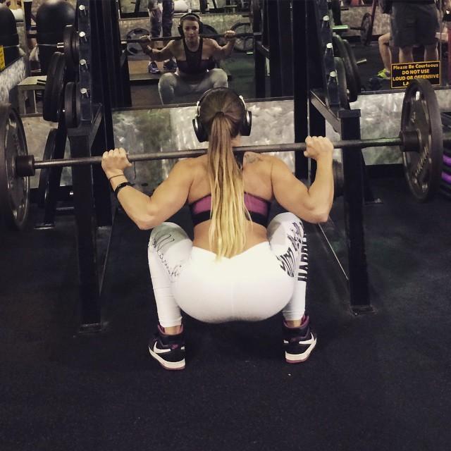 Caroline Priscila (20)