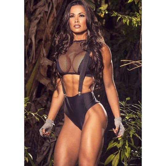 Fernanda Davila (22)