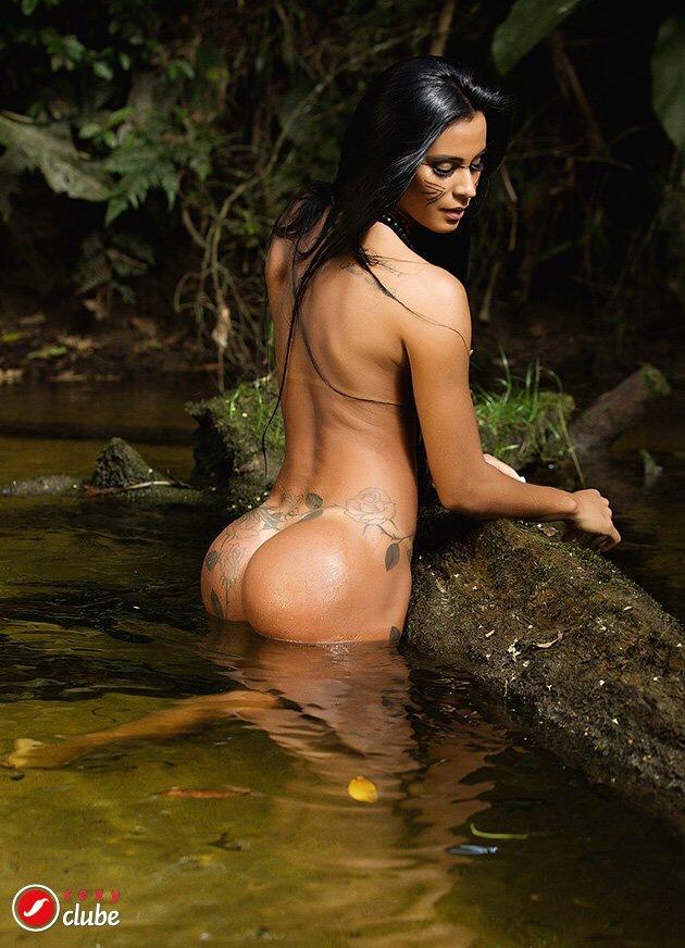 Lorena Bueri nua (20)