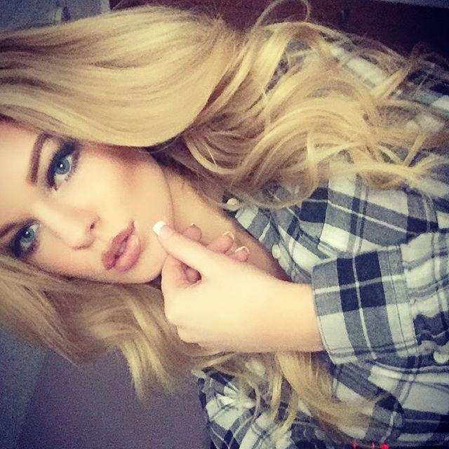 Alyssa Nelson (18)