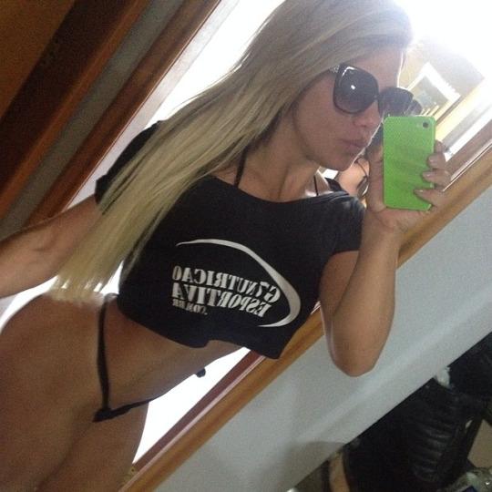 Roberta Zuniga brazilian fitness model (60)