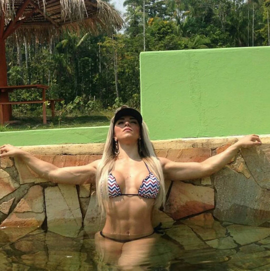Roberta Zuniga brazilian fitness model (68)