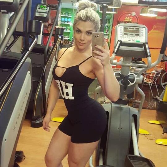 Roberta Zuniga brazilian fitness model (77)