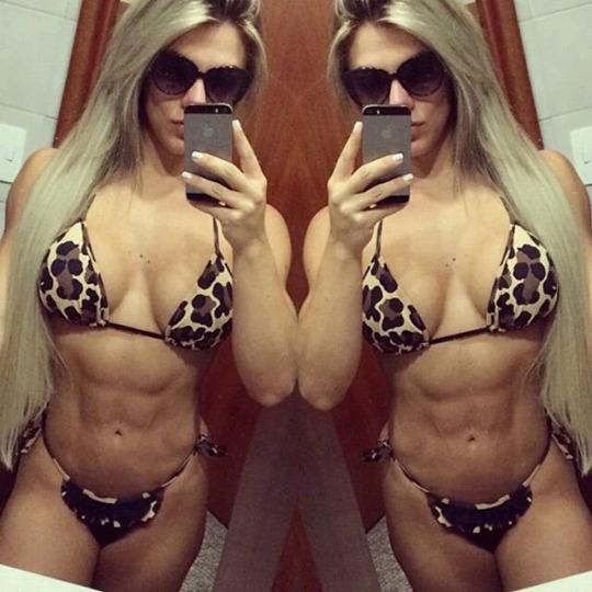 Roberta Zuniga brazilian fitness model (81)