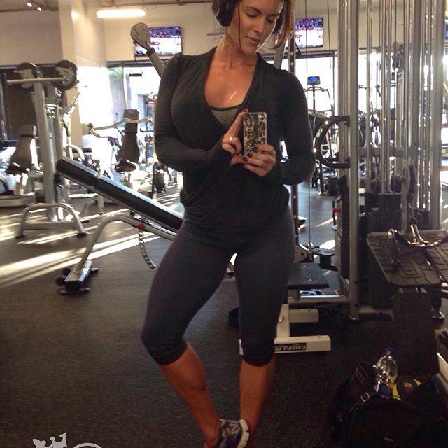 Amanda Latona (43)