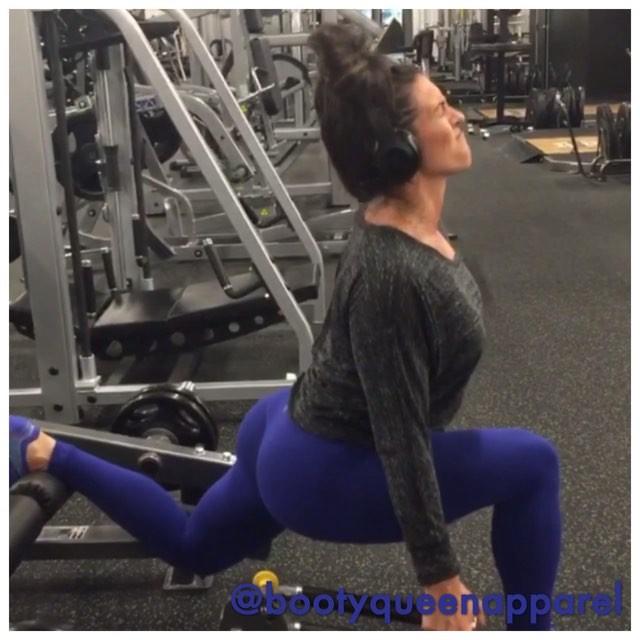 Amanda Latona (48)