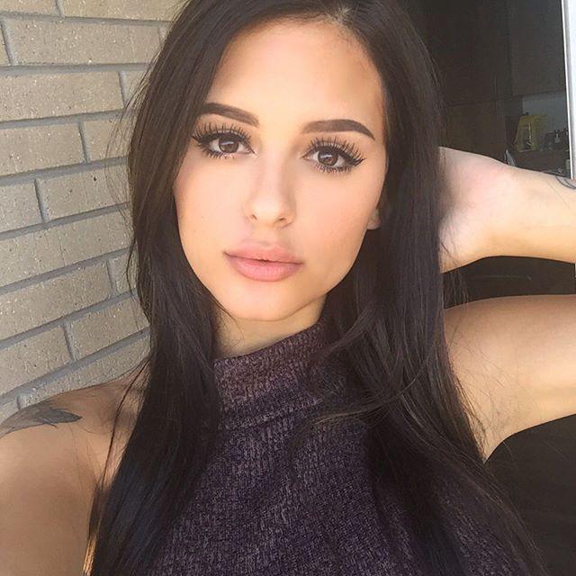 Daniella Lanio (25)