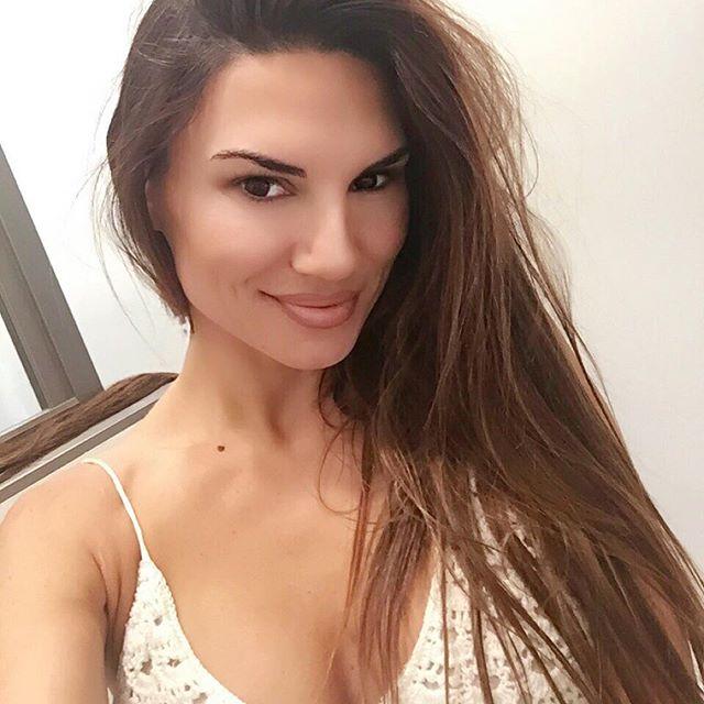 Lauren Abraham (32)