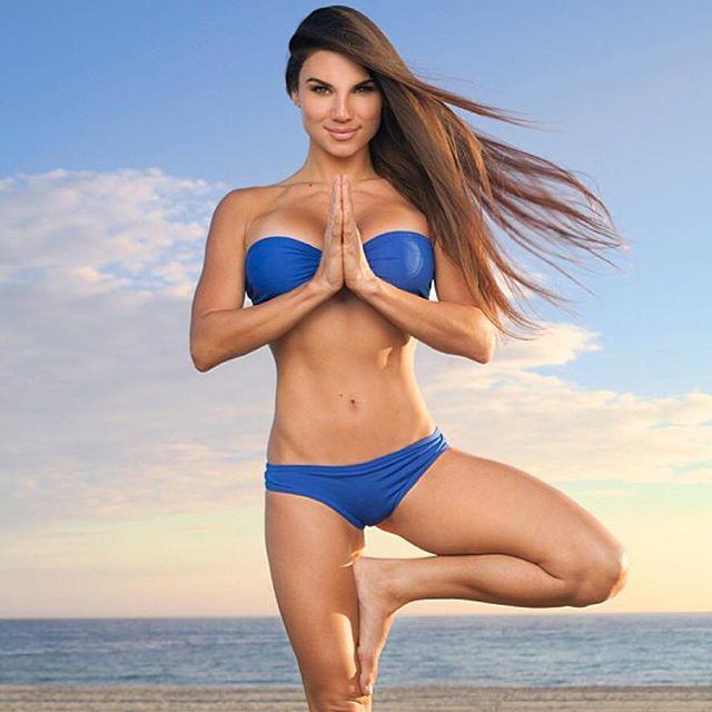 Lauren Abraham (46)