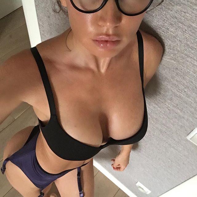 Nadiya Mol (43)
