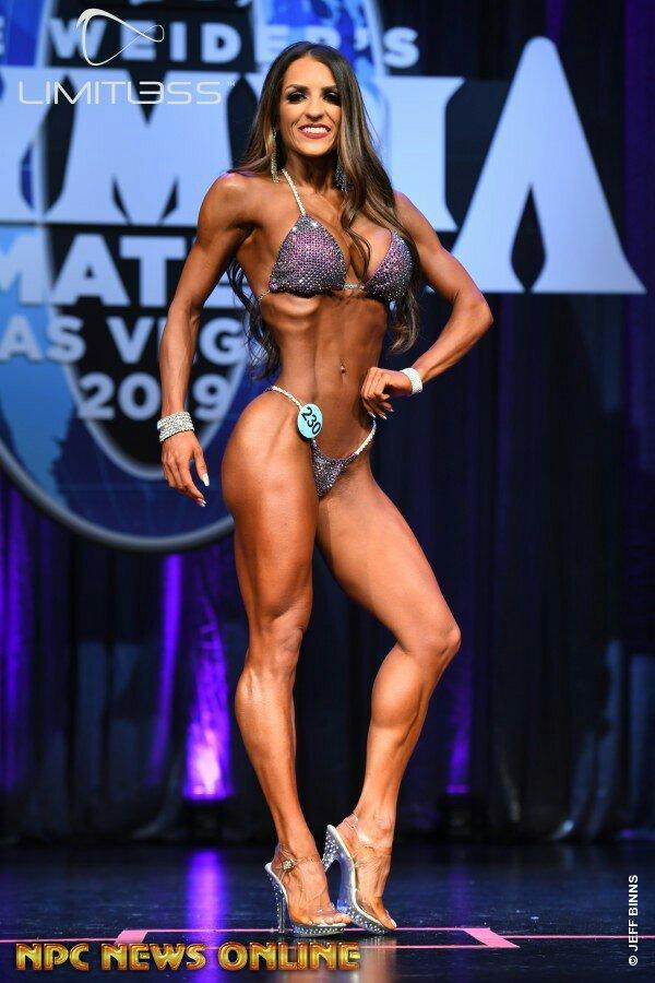 Vainqueur du classement général bikini Olympia amateur Las Vegas 2019 Kitty Horvath