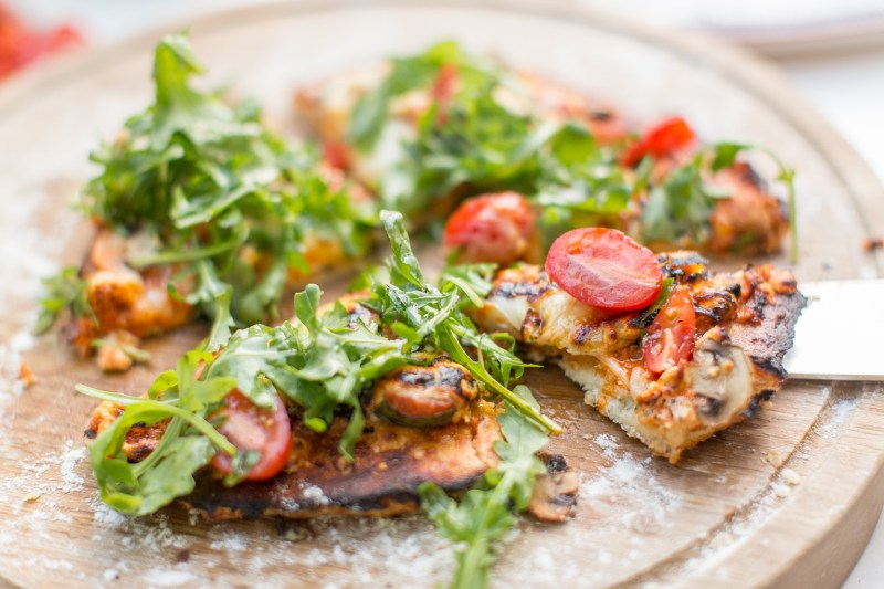 Fitness On Toast Faya Blog Girl Healthy Recipe Amazon Pizza Oven Linwoods Crockery Picnic Summer Campaign Healthy Pizza Food Ideal Dinner Summery-2