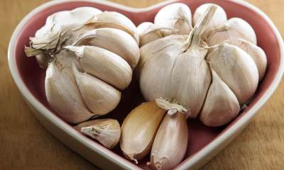 5 benefits of eating empty stomach garlic in the morning