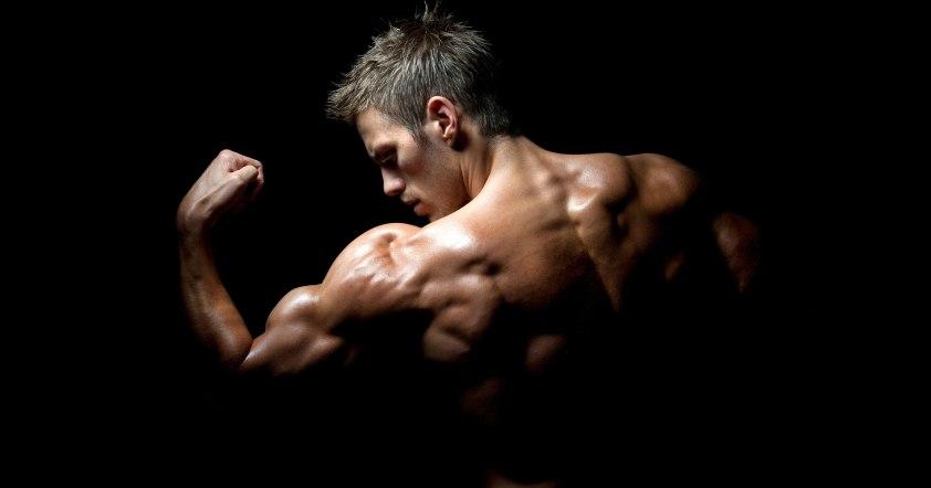 dark_fitness_man
