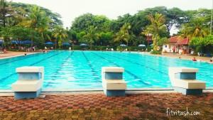 Berenang mengitari pool lebih nyaman dilakukan dilakukan saat kolam sepi