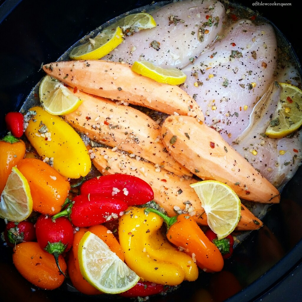 Slow Cooker Lemon-Garlic Chicken