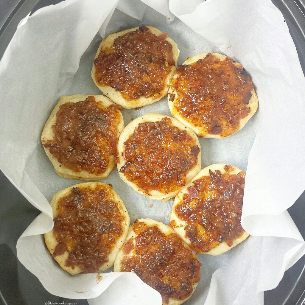 slow cooker bacon jam biscuits 2