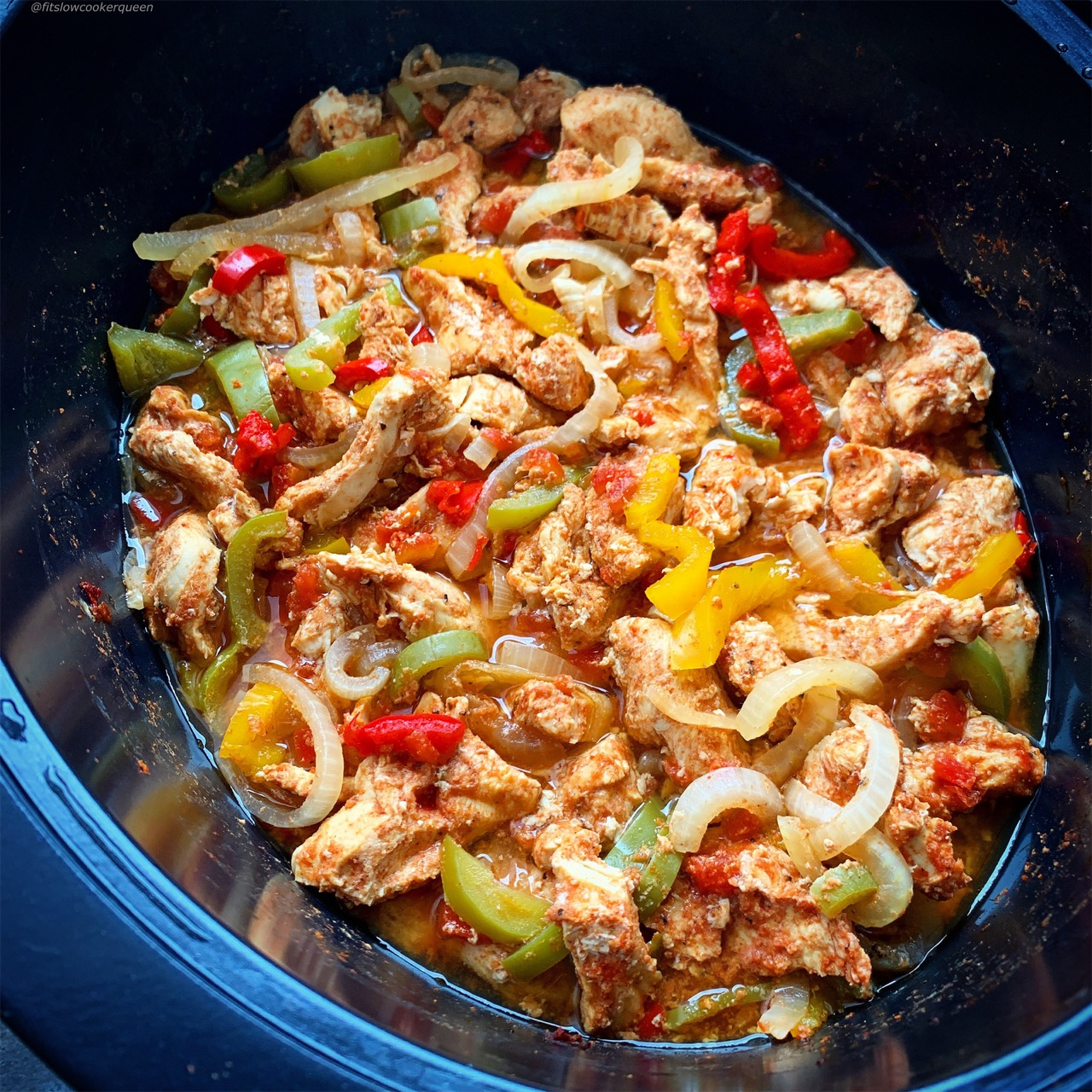 There are only 5 ingredients in this low-carb, paleo, and whole30 chicken fajitas recipe. Make these fajitas in your slow cooker or pressure cooker.