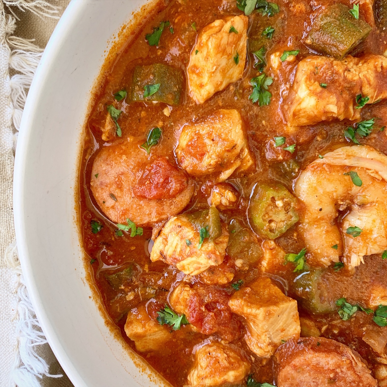 close up of cooked gumbo in a bowl