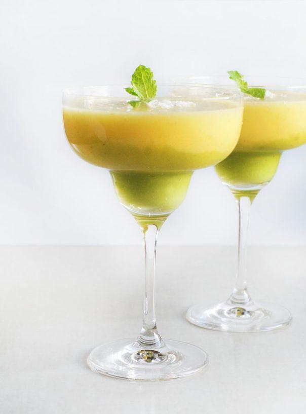 Koktajl ananasowy z musem z kiwi