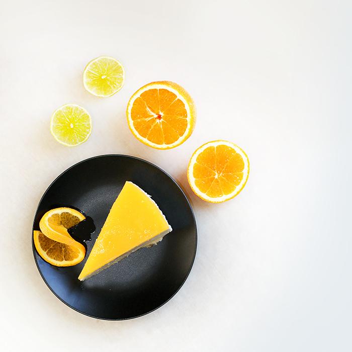 Sernik na zimno z musem z mango i pomarańczy