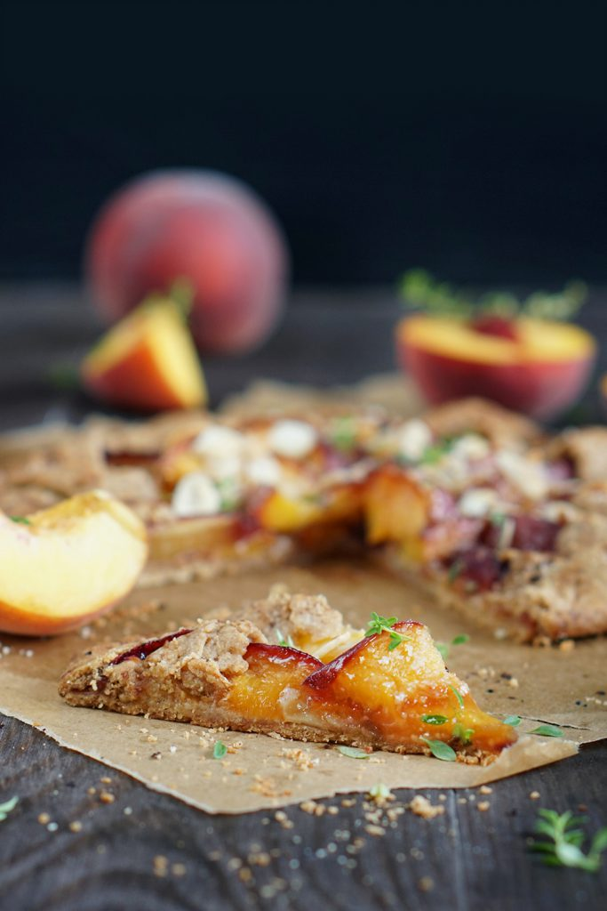 Rustykalna tarta z brzoskwiniami