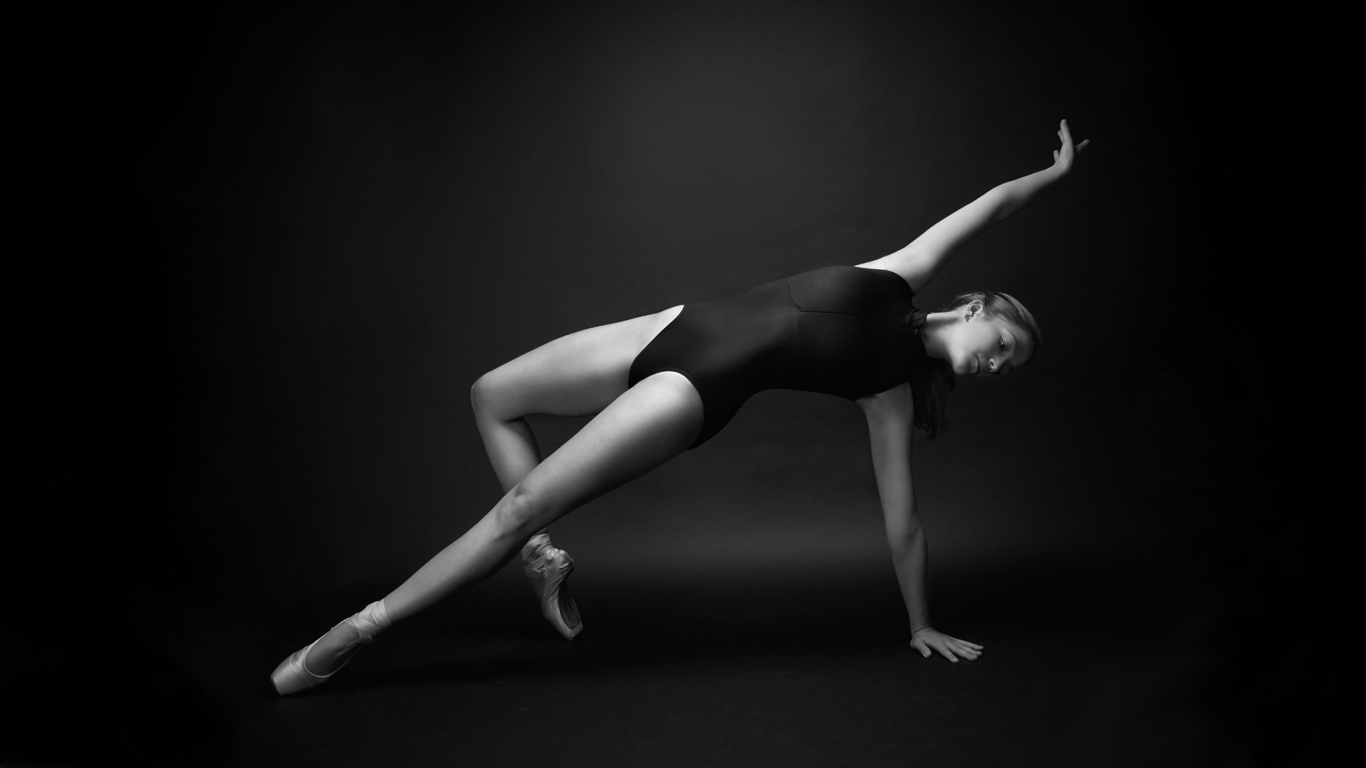 Liza-Kalishnakova-Toronto-Model-Fitness-Lifestyle-Woods-Canada-Dave-Delnea