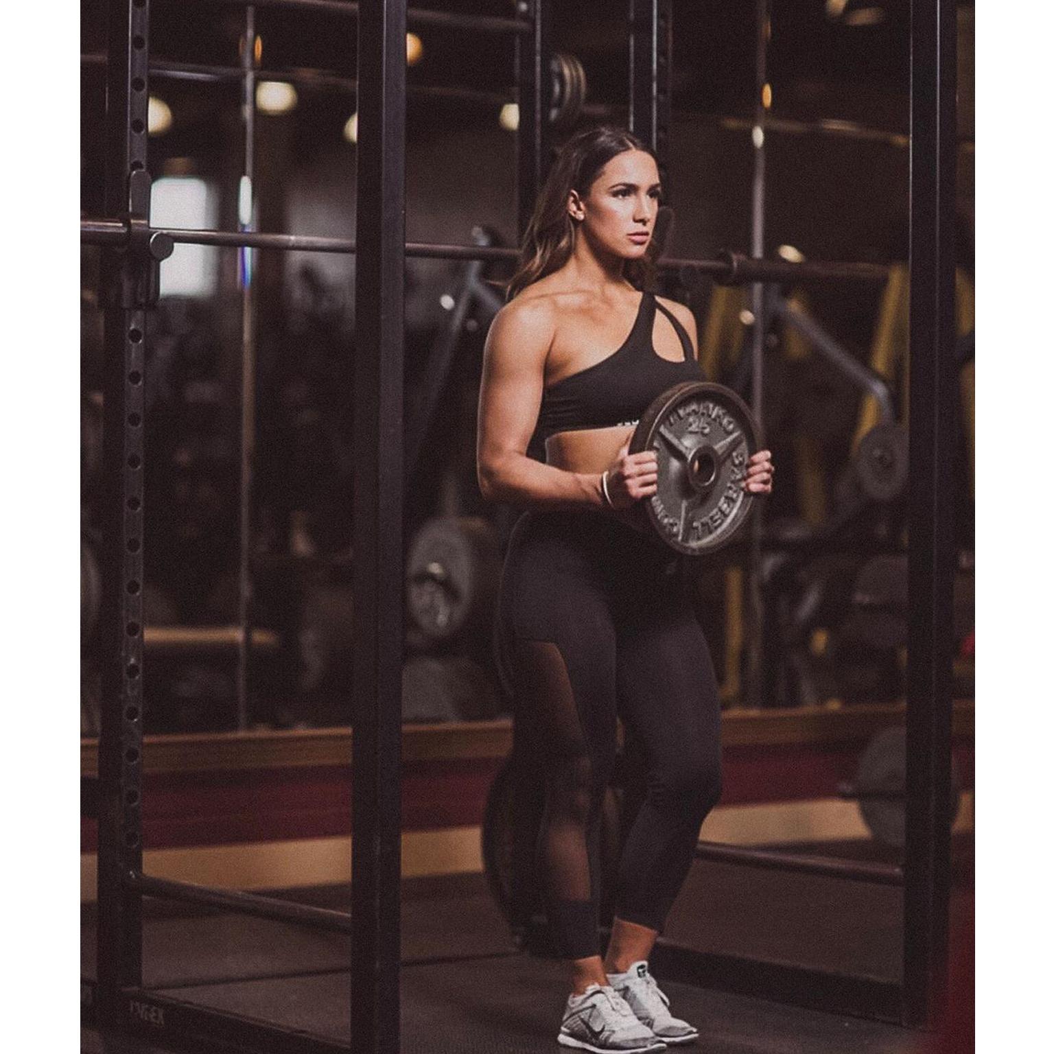 Toronto-Fitness-Model-Agency-Athlete-Commercial-Genevieve-Dube-Carpenter