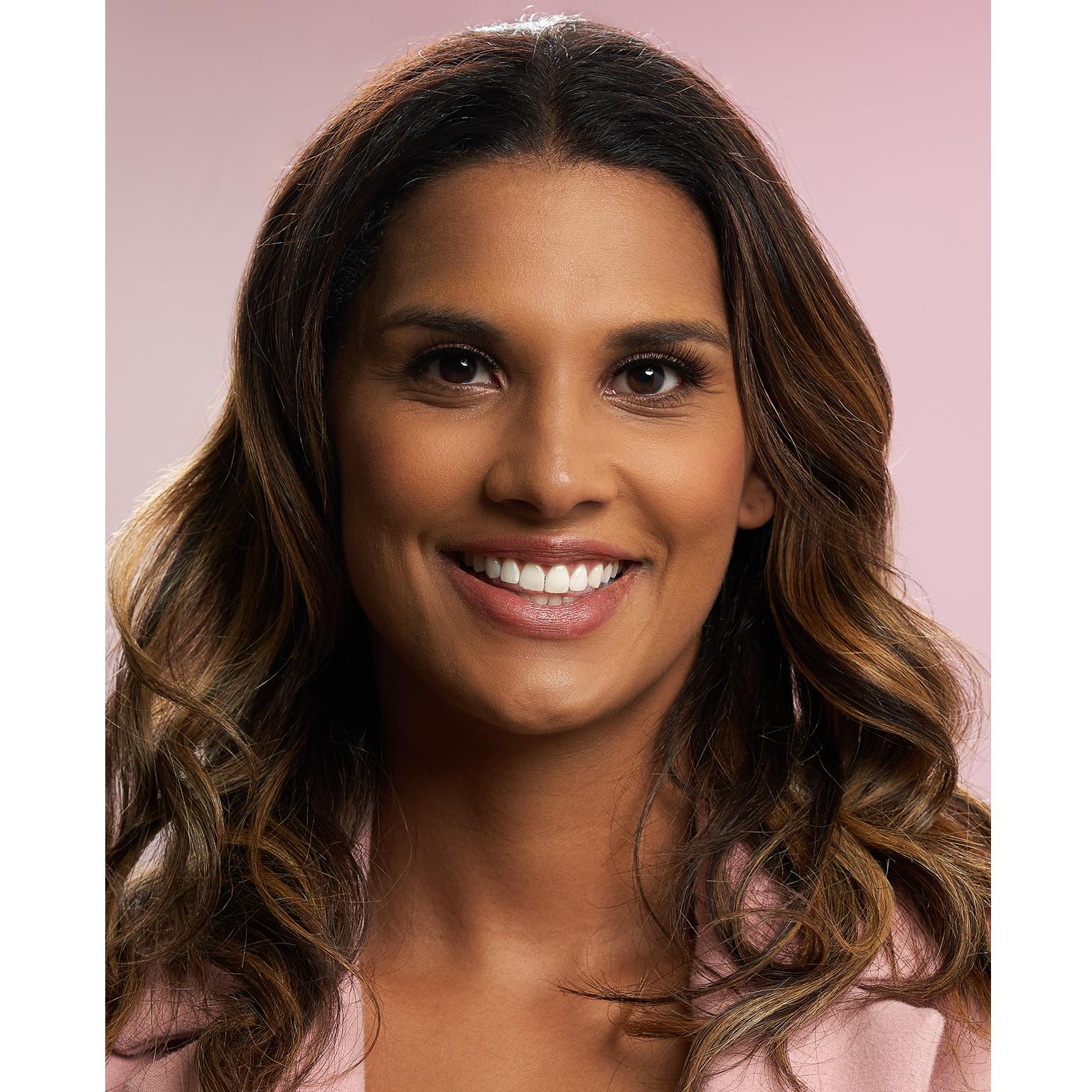 Toronto-Fitness-Model-Agency-Headshot-Lifestyle-Beauty-Portrait-Valerie-Saunders