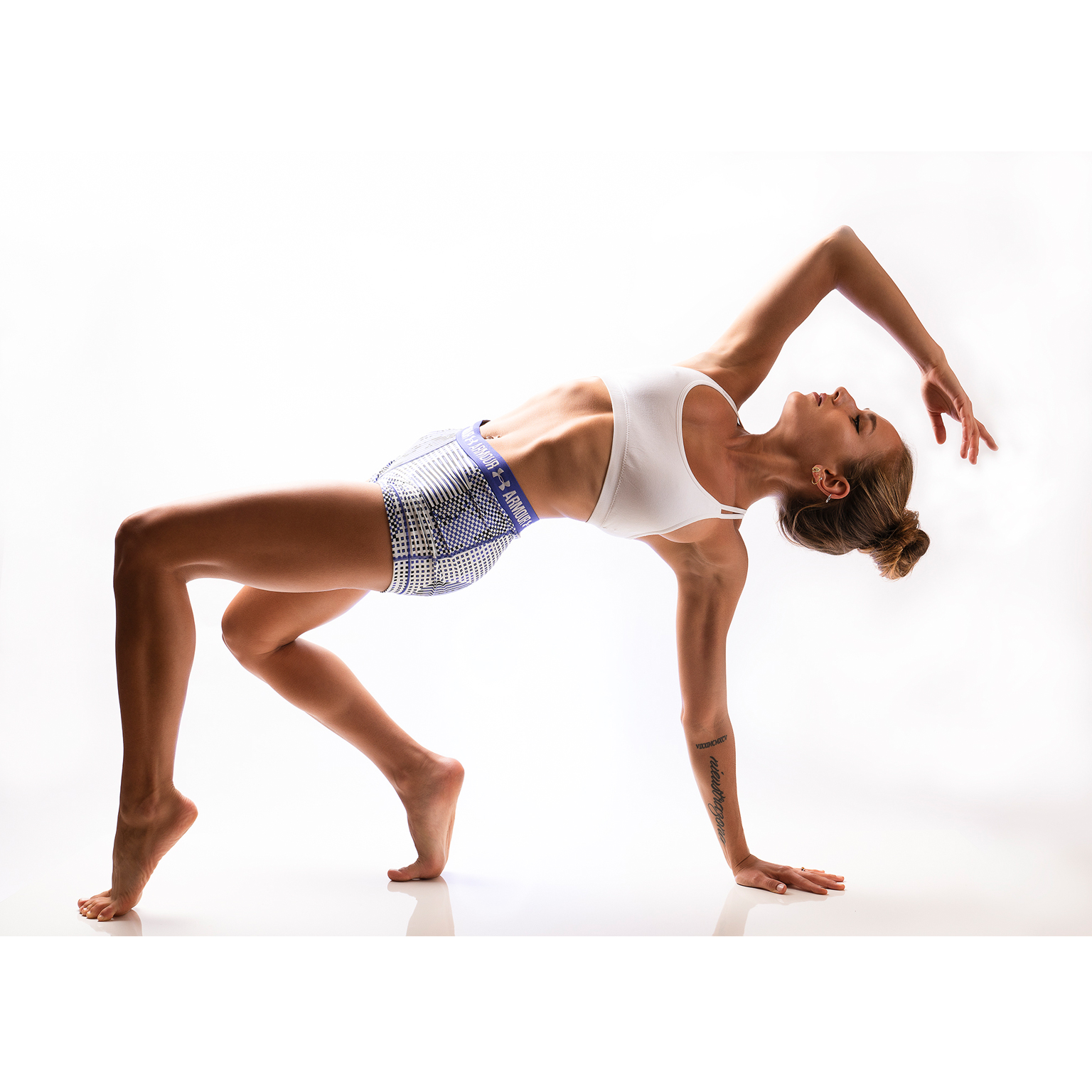 Toronto-Fitness-Model-Agency-Yoga-Joanna-Bis