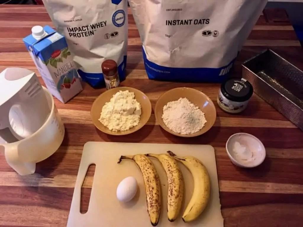 Zutaten für ein Protein Bananenbrot