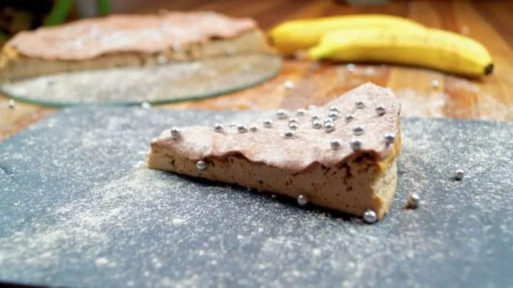 Protein Bananen Quarkkuchen mit Schokoglasur