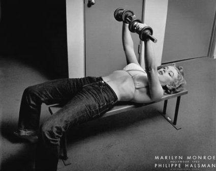 marilyn monroe bench pressing