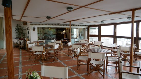 hotel restaurant with view amalfi coast fittwotravel