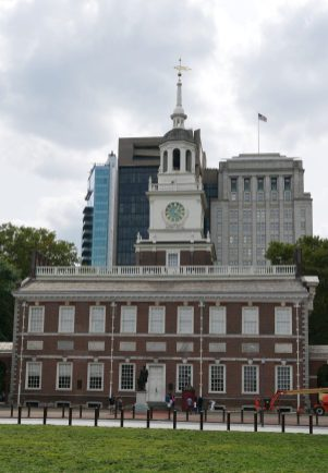Free things to do in Philadelphia Independence Hall fittwotravel.com