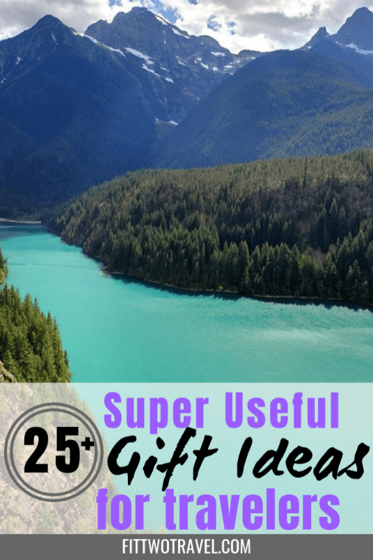 Ultimate gift guide for travelers. 25+ holiday gift ideas for anyone who travels including electronic gift ideas and gift ideas for the airplane