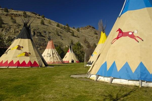 places to stay oregon kahneeta teepee