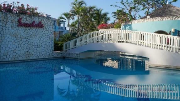 resorts with a swim up bar jamaica fittwotravel.com