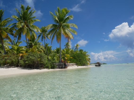 Aitutaki One Foot Island fittwotravel.com