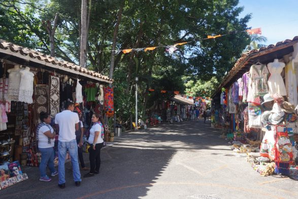 free things to do in puerto vallarta rio cuale fittwotravel.com