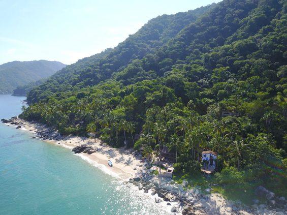 beaches in puerto vallarta.JPG