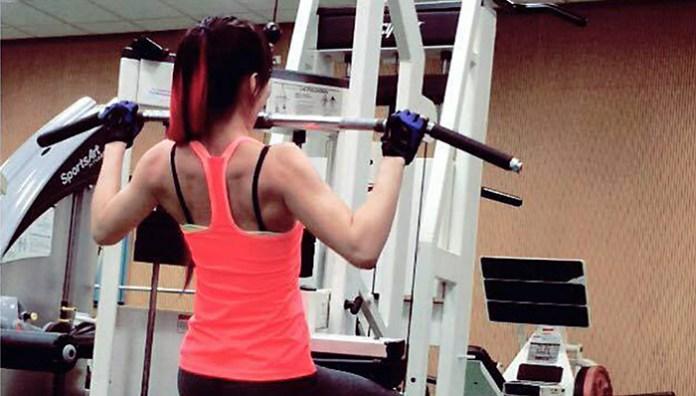 [健身狂Sally] 背部訓練第二步f