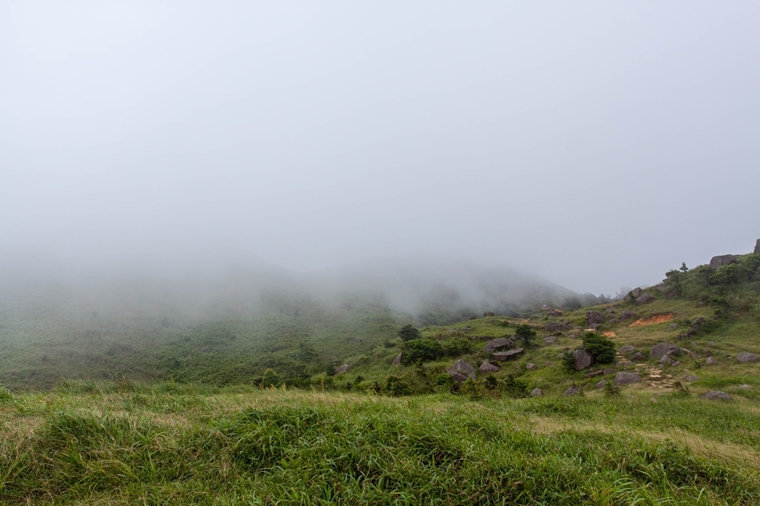 爬上最高的山,行程歷經四季