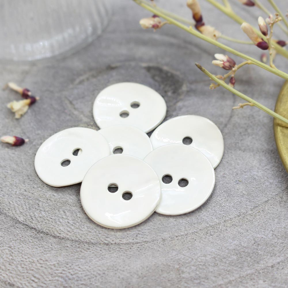 Atelier Brunette <br>Glossy Buttons -- Off-White, 14mm