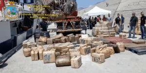 Sequestrate 20 tonnellate di hashish per un valore di 200 milioni di euro