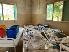 Emergency mobile clinic outside Beira, Mozambique