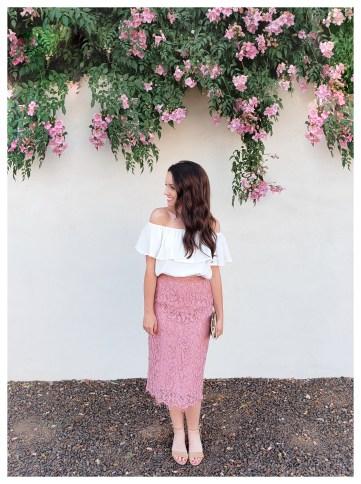 Petite Fashion blogger Five Foot Feminine in Rachel Parcell Skirt