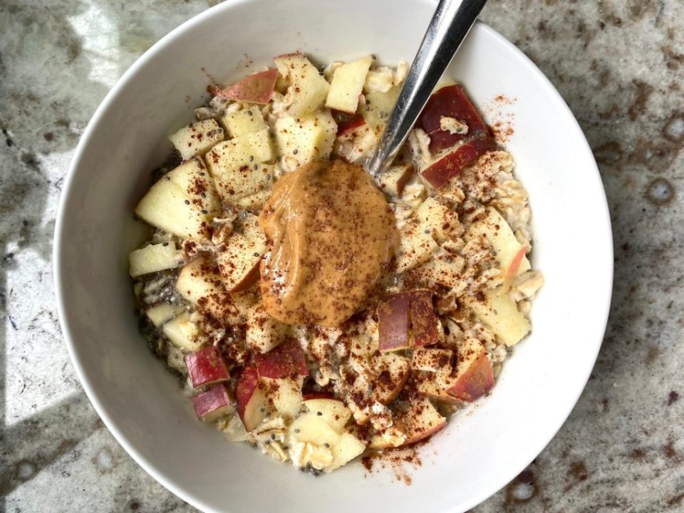 Apple Peanut Butter Chia Seed Oatmeal / Five Plates