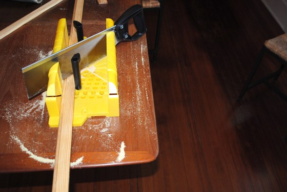 poster frame sawing