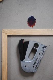 poster frame staple